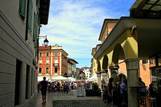 Spilimbergo e la via dei Magredi, cuore di steppa in Friuli