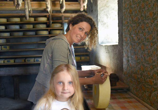 Malga Pieltinis, Luisa e Greta – foto di Gigliola di Piazza –