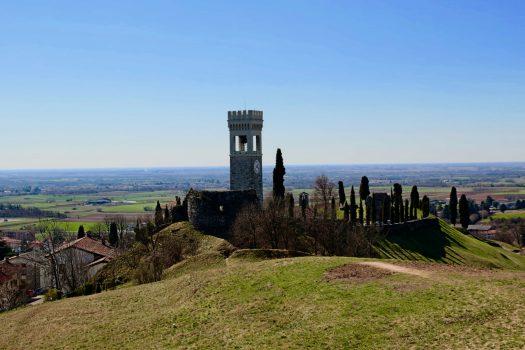 Andar per Castelli:  Fagagna e Ragogna, nel  Friuli collinare